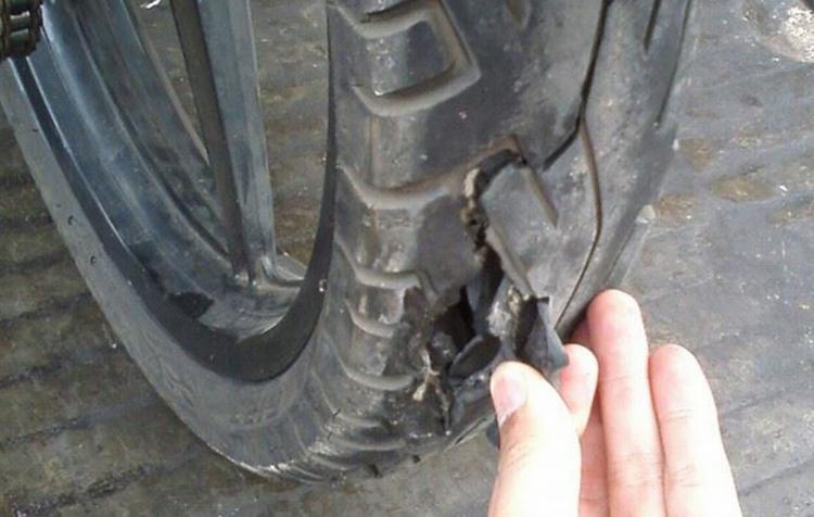 Ban Motor Pecah Bisa Terjadi Karena Beberapa Sebab, Wahanahonda.com
